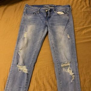 American Eagle distressed  jegging size 8